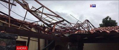 Fuerte temporal causa destrozos en varias zonas del país