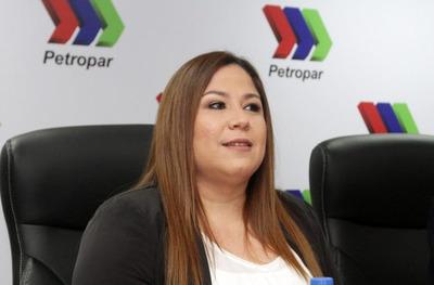 Patricia Samudio está siempre a disposición de la justicia, afirma abogado