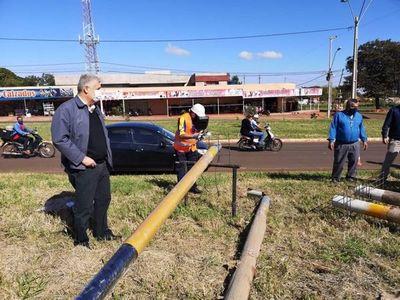 José Carlos verificó la instalación de semáforos