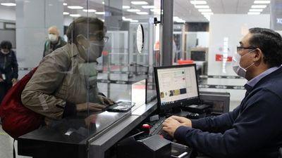 Migraciones elimina multa para extranjeros varados en Paraguay