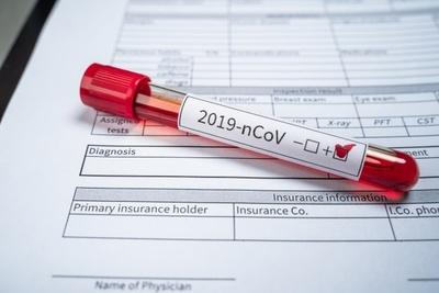 Investigan a médico que dio positivo al coronavirus que habría tenido contacto con más de 30 personas
