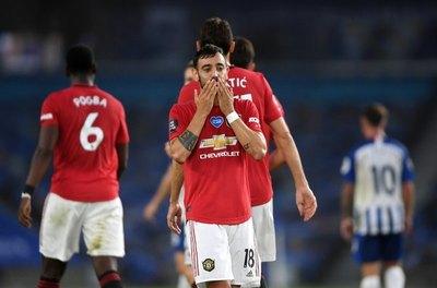 Manchester United golea al Brighton y sigue en quinto lugar