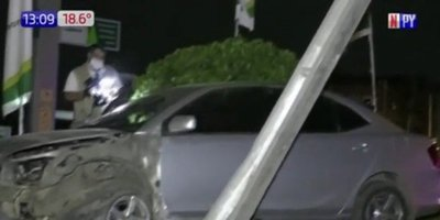 Militar impacta contra una columna de la ANDE
