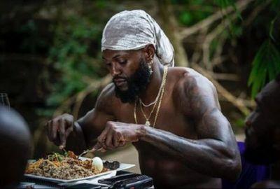 Olimpia rescinde con Adebayor por motivos económicos y la pandemia