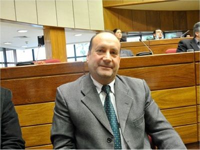 Óscar Salomón asume las riendas del Congreso Nacional