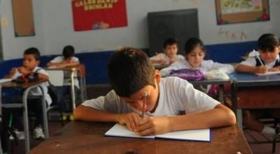 Vuelta a clases presenciales sería en 8 meses, según Viceministro