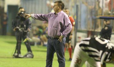 Ever Hugo Almeida, bicampeón de la Libertadores, cumple 72 años