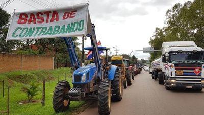 Cañicultores cierran ruta en repudio al contrabando de azúcar