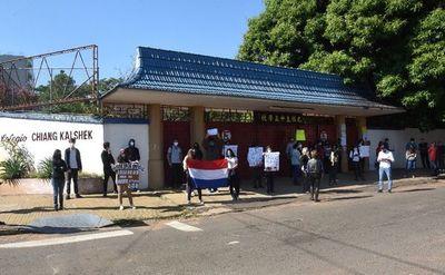 Aceptan recurso de amparo en caso Chiang Kai Shek y el colegio debe volver a dar clases