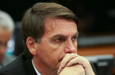 Dimite ministro Educación de Brasil por mentir en su currículum