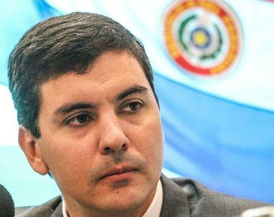 'Santiago Peña tiene que pedir disculpas a todos los contadores del Paraguay'