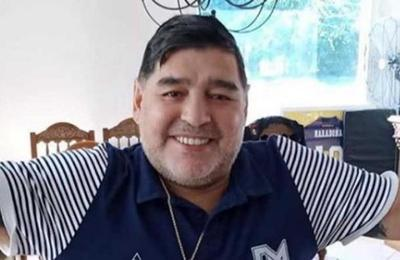 ¿Maradona como DT de la selección de España?