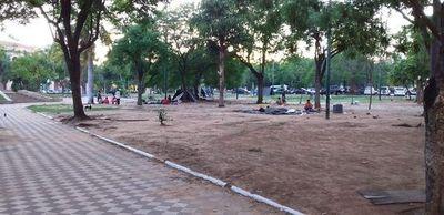 Plaza de Armas: Damnificados se retiraron, pero ahora es invadida por indígenas