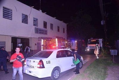 Explota aire acondicionado en edificio policial y causa principio de incendio