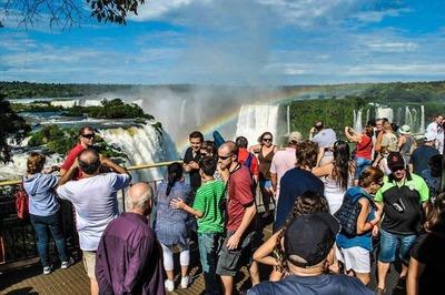 Auge turístico en TRES FRONTERAS, y comercio de CDE en BAJA