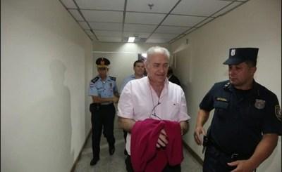Juez ordena embargo de US$ 87 millones a González Daher e hijo