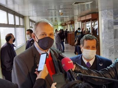 Conceden medidas alternativas a exintendente de Asunción