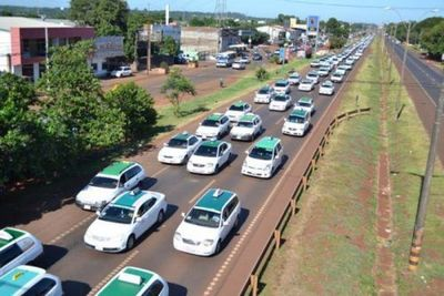 Taxistas anuncian que van a PARALIZAR centro de CDE en protesta contra UBER y MUV