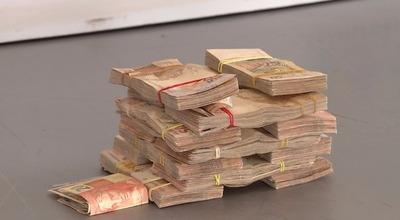 Incautan 70.000 reales en EFECTIVO en el PUENTE de la AMISTAD