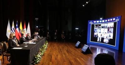 Mandatarios del Mercosur se comprometen en hacer frente a los retos económicos y sociales