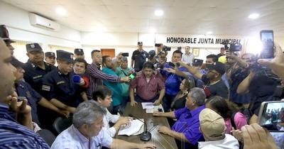 Diputados invitan a concejales de PJC a ratificarse en la intervención a la gestión Acevedo