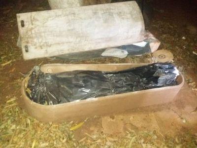 Luque: Hallan cuerpo en descomposición dentro de un ataúd