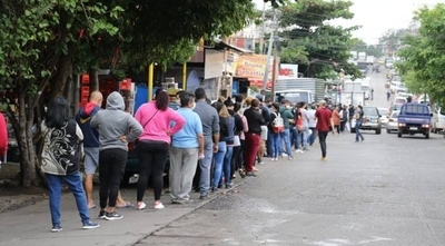 HOY / IPS prepara la tercera tanda de subsidio a trabajadores suspendidos
