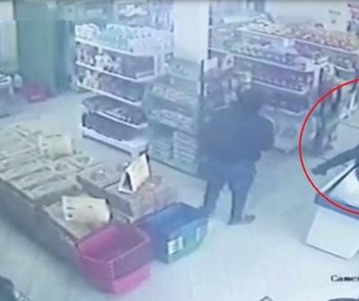 Hieren a dos personas durante violento asalto a distribuidora de lácteos