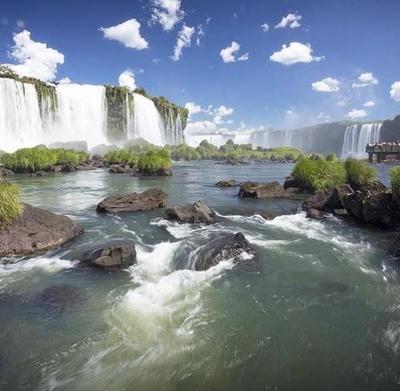 Brasil cierra las Cataratas del Iguazú por aumento de casos de coronavirus