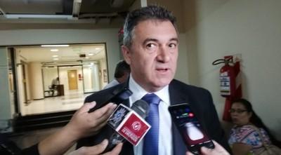 Titular de la ANDE pide disculpas por sobrefacturaciones