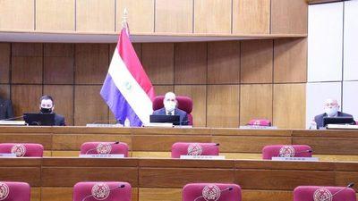 Senado se ratifica en su versión de eliminar gastos superfluos