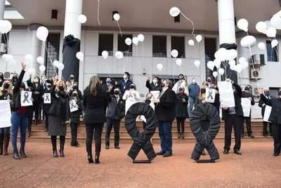 Magistrados y funcionarios elevan oración en memoria de Diana Eveline