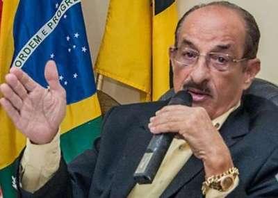 """Alcalde brasileño anunció la reapertura del comercio """"muera quien muera"""""""