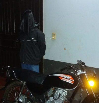 Cae detenido ladrón de motocicleta tras una  persecución policial en zona de Caaguazú – Diario TNPRESS