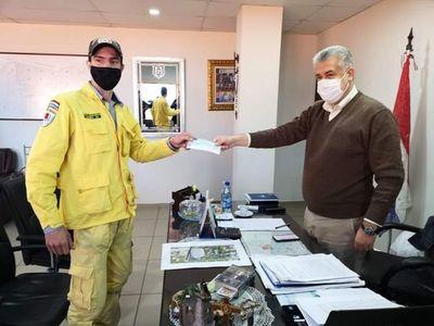 Importante ayuda de la municipalidad de Pedro Juan Caballero a bomberos Amarillo