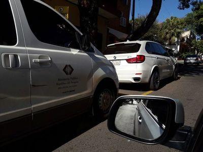 Rosetti se mueve en vehículo de G. 500 millones