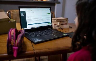 El 10% de los estudiantes del sector público no acceden a la virtualidad, según el MEC