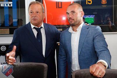 Sneijder podría volver del retiro