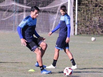Alonso entrena con la selección después del traspaso al Mineiro