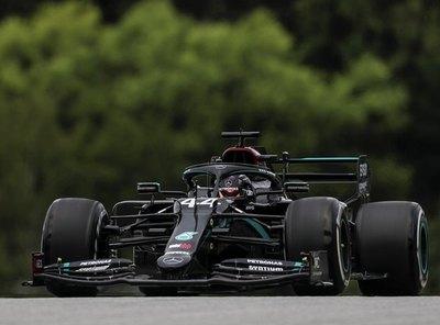 Mercedes domina, rechazan protesta de Red Bull y Ferrari está 'peor de lo que esperaba'