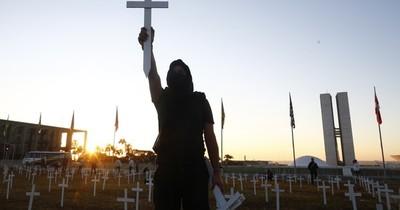 """OMS pide """"despertar"""" a países afectados por COVID-19 cuando América Latina supera a Europa en casos"""