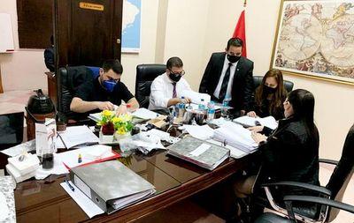 Incautaron 11 cajas de documentos para investigar a titular de la ANNP