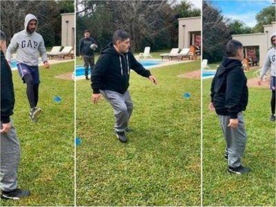 Maradona dejó el chupi y ahora entrena a full