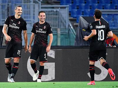 Milan baja a Lazio y deja el título en bandeja a la Juve