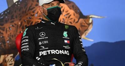 """Valtteri Bottas """"roba"""" a Hamilton la pole"""