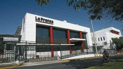 Justicia panameña secuestra cuentas de diario a petición de expresidente