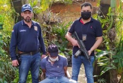 Detienen a hombre por el asesinato de su expareja