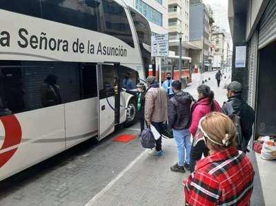 Retornan 142 connacionales varados en Argentina • Luque Noticias
