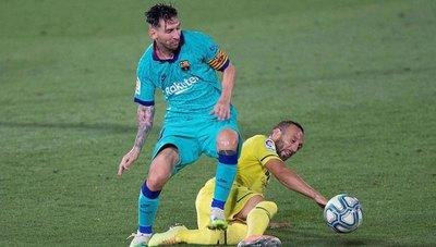 Barça aplastó al Villarreal y se aliviana