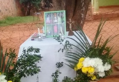 Rezaran el rosario frente a la casa de la masacre en Capiatá